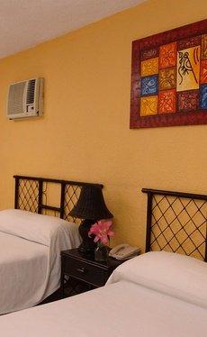 Comfort Beach House Imperial Laguna Cancún Hotel
