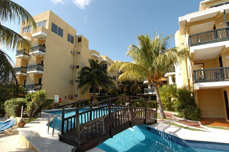 Solarium Terrace Beach House Imperial Laguna Cancún Hotel